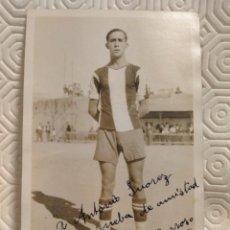 Coleccionismo deportivo: POSTAL DEDICADA Y FIRMADA DE UN JUGADOR DEL EQUIPO DE FUTBOL PEÑA BENITO. AÑO 1932.. Lote 218739108