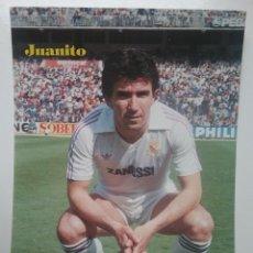 Coleccionismo deportivo: FUTBOL REAL MADRID JUAN GOMEZ JUANITO FOTOGRAFÍA POSTAL 1984. Lote 219487085