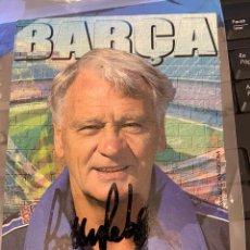 Coleccionismo deportivo: BOBBY ROBSON POSTAL DEL BARCELONA CON SU AUTOGRAFO. Lote 221736808