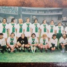 Coleccionismo deportivo: RAPID DE VIENA AÑO 1974 - FOTO/POSTAL. TAMAÑO 14X9 CM. SIN CIRCULAR.. Lote 222604820