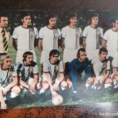 Coleccionismo deportivo: RWD MOLENBEEK BELGICA AÑO 1974 - FOTO/POSTAL. TAMAÑO 14X9 CM. SIN CIRCULAR.. Lote 222605551