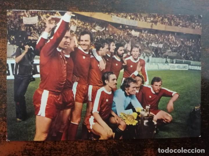 BAYERN DE MUNICH AÑO 1974 - FOTO/POSTAL. TAMAÑO 14X9 CM. SIN CIRCULAR. (Coleccionismo Deportivo - Postales de Deportes - Fútbol)