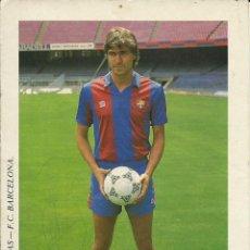 Coleccionismo deportivo: POSTAL DEL F.C.BARCELONA JULIO SALINAS CON EL AUTOGRAFO. Lote 233382605