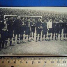 Coleccionismo deportivo: (VP-110)FOTOGRAFIA DE PIERA,ALCANTARA,SAMITIER,F.C.BARCELONA FOOT-BALL AÑOS 20-ARCHIVO VICENÇ PIERA. Lote 239432745