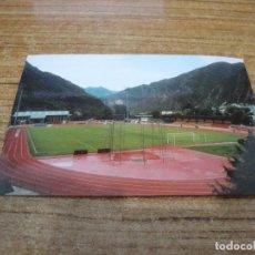 Coleccionismo deportivo: POSTAL CAMPO DE FUTBOL ESTADI CUMUNAL F C ANDORRA ANDORRA LA VELLA SIN CIRCULAR. Lote 251294570