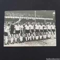 Coleccionismo deportivo: RAREZA TARJETA POSTAL ANTIGUA MUNDIAL FÚTBOL ALEMANIA 1966 MATASELLOS CONMEMORATIVO EP002. Lote 252837975