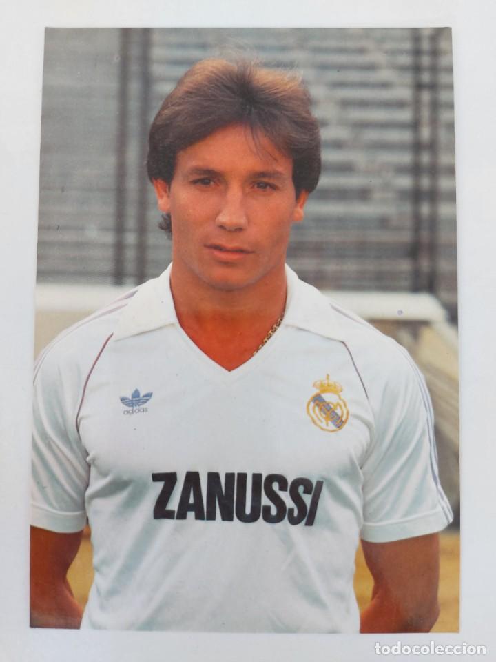 ANTIGUA POSTAL DE ISIDRO DÍAZ JUGADOR DEL REAL MADRID - 1982 - PUBLICIDAD DE ZANUSSI EN LA CAMISETA (Coleccionismo Deportivo - Postales de Deportes - Fútbol)