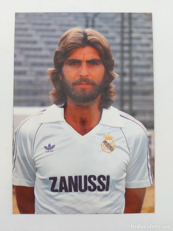 ANTIGUA POSTAL DE JUAN JOSÉ JUGADOR DEL REAL MADRID - 1982 - PUBLICIDAD DE ZANUSSI EN LA CAMISETA - (Coleccionismo Deportivo - Postales de Deportes - Fútbol)