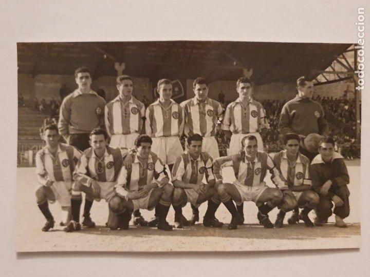 EQUIPO DE FUTBOL DE LA ESPAÑA INDUSTRIAL - CAMPO DEL EUROPA - 12,8 X 7,8 CM - P49831 (Coleccionismo Deportivo - Postales de Deportes - Fútbol)