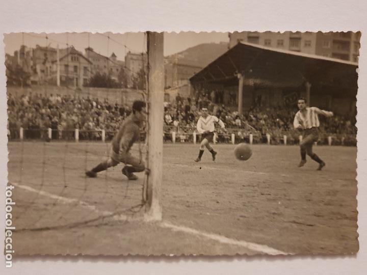 PARTIDO C.E.EUROPA Y EL MANACOR - 1952 - 13,8 X 8,8 CM - P49833 (Coleccionismo Deportivo - Postales de Deportes - Fútbol)