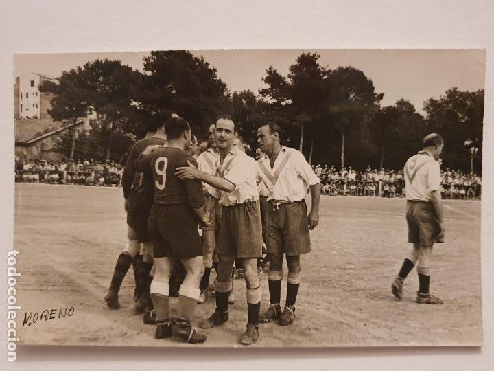 PARTIDO VIEJAS GLORIAS DEL BARÇA Y EL EUROPA - 13,8 X 8,8 CM - P49834 (Coleccionismo Deportivo - Postales de Deportes - Fútbol)