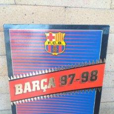 Coleccionismo deportivo: LOTE BARÇA TEMPORADA 97-98, COLECCIÓN SPORT 26 POSTALES GIGANTES + CARTEL + REVISTA SPORTLIGA. Lote 257738205