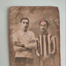 Collezionismo sportivo: RESERVADO.POSTAL DE FUTBOLISTAS, L. BRINGAS Y ALFREDO CASAS, DE 1913. RACING? BILBAO? GIMNASTICA?. Lote 259273060