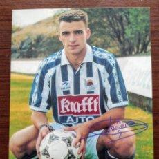 Coleccionismo deportivo: TARJETA POSTAL JAVIER DE PEDRO - REAL SOCIEDAD FUTBOL. Lote 265496414
