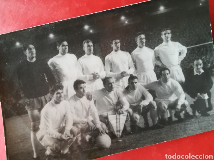 EQUIPO FÚTBOL REAL MADRID AÑOS 60 DI STEFANO PUSKAS GENTO (Coleccionismo Deportivo - Postales de Deportes - Fútbol)