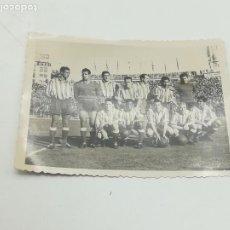 Coleccionismo deportivo: FOTO ORIGINAL DEL ATLÉTICO DE MADRID / ATLÉTICO AVIACIÓN. AÑOS 50-60. MEDIDA 8 X 6 CM. VER. Lote 283736233