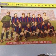 Coleccionismo deportivo: TARJETA POSTAL CLUB FUTBOL BARCELONA CAMPEON DE LIGA 1947-48-49 TIPO CROMO. Lote 291478033