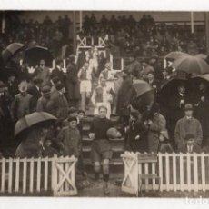 Coleccionismo deportivo: TARJETA POSTAL FOTOGRAFICA PARTIDO DE FUTBOL BIZKAIA. C. 1920. ¿LAS ARENAS?. Lote 294166683