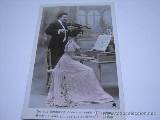 POSTAL ROMANTICA. PAREJA TOCANDO EL VIOLIN Y EL PIANO. POSTAL FOTOGRÁFICA COLOREADA. (Postales - Postales Temáticas - Galantes y Mujeres)