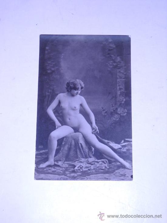 EROTICA.FOTOGRAFIA DESNUDO FEMENINO EN TARJETA TIPO POSTAL SIN DATOS. (Postales - Postales Temáticas - Galantes y Mujeres)