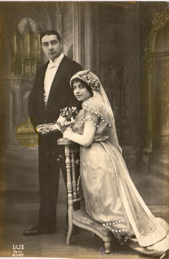 Foto Postal Pareja En La Iglesia Casandose Años Buy Old Postcards