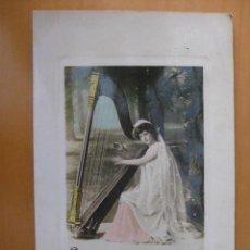 Postales: BONITA POSTAL DE MUJER TOCANDO EL ARPA. FOTOGRAFICA.1910. Lote 31413165