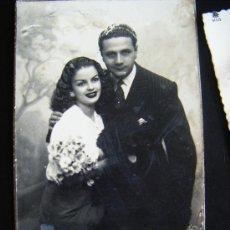 Postales: BONITA TARGETA POSTAL ENAMORADOS, AMANTES PD 1574, DEDICADA, ENVIADA A AGUILAS, 1946 . Lote 34460820