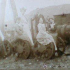 Postales: POSTAL FOTOGRAFICA CIRCULADA 1902 SEÑORAS Y CABALLERO FERROCARRIL ESTACION O SIMILAR SELLO 10 CTS . Lote 36815170