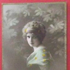 Postales: POSTAL COLOREADA DE UNA CHICA. CIRCULADA 1913.. Lote 43761755