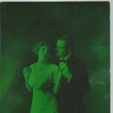 Postales: POSTAL FOTOGRAFICA ANTIGUA DE PAREJA - ESCRITA EL 12 - 10 - 1913. Lote 49570385