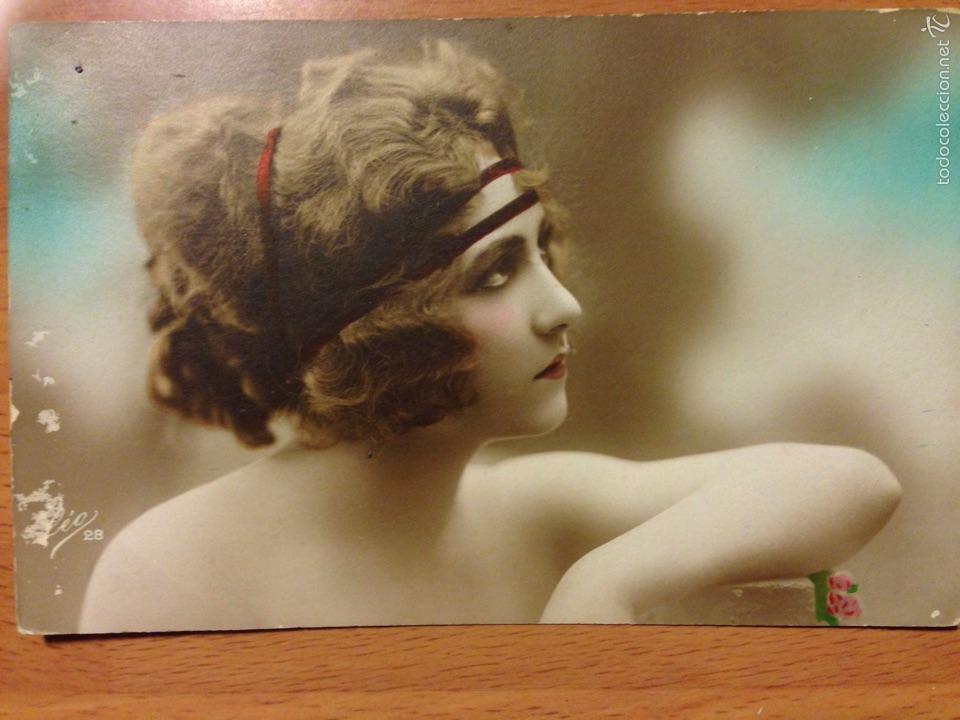 2be3bab7bf11 Antigua postal romántica mujer belleza art deco