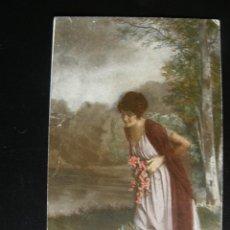 Postales: MUJER CON RAMO DE FLORES. 1920.. Lote 71301991