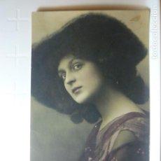 Postales: POSTAL ROMANTICA DE MUJER. ED. RPH S-912/3. CIRCULADA 1907.. Lote 73691619