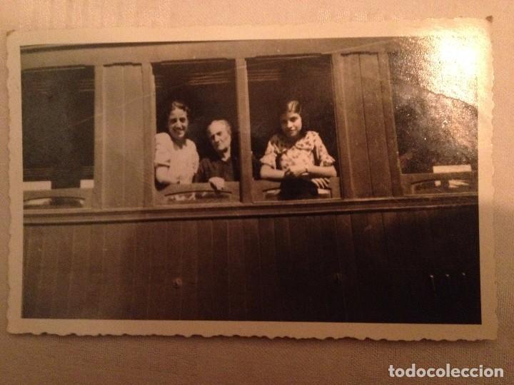Postales: 4 POSTALES CON FOTOGRAFÍAS AÑOS 50...JÓVENES Y ANCIANA Y FAMILIA - Foto 3 - 77421825