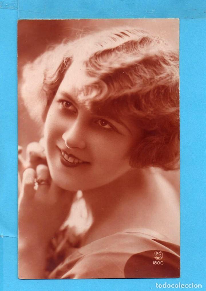 POSTAL BELLA DAMA EDITO FRANCIA ESCRITA EL AÑO 1927 (Postales - Postales Temáticas - Galantes y Mujeres)