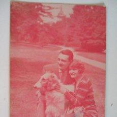 Postales: POSTAL PAREJA ROMANTICA CON PERRO - ESCRITA EN 1932 - SIN CIRCULAR. Lote 89552952