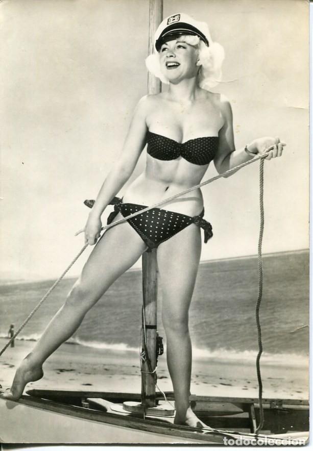 Mujer Playa Bikini Años 50 Pin Up Fotográfica Comprar Postales