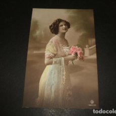 Postales: MUJER CON FLORES POSTAL 1912. Lote 110201975