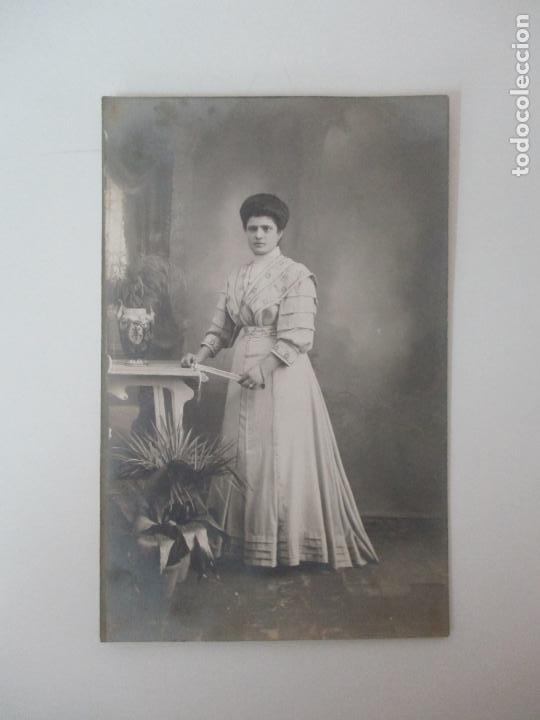 Postales: Tarjeta Postal - Fotografía de Estudio - Señora - Unión Universal de Correos - Foto 3 - 135289858