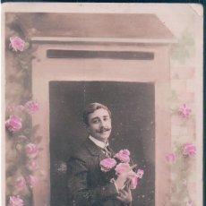 Postales: POSTAL RETRATO GALAN CON FLORES - BONNE ET HEUREUSE ANNEE - CIRCULADA. Lote 144082106