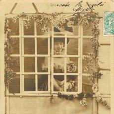 Postales: POATL ROMANTICA: PIERRETTE Y PIERROT. PIERRETTE CUIDADOSA Y COQUETA ESPERA LLEGAR A PIERROT, DE 1904. Lote 155645146