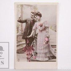 Postales: ANTIGUA POSTAL FOTOGRÁFICA ROMÁNTICA - PAREJA FINALES SIGLO XIX - CIRCULADA. Lote 167285080