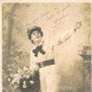 Postales: CHICA VENDIENDO FLORES. CIRCULADA EN 1905, DE RAYADO CONTINUO (VER DORSO). Lote 167838276
