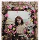 Postales: EN EL JARDIN, CIRCULADA EN 1909. Lote 167840136