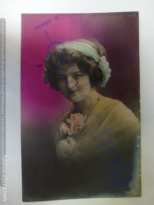 POSTAL ANTIGUA COLOREADA. DAMA. CIRCULADA EN 1913. (Postales - Postales Temáticas - Galantes y Mujeres)