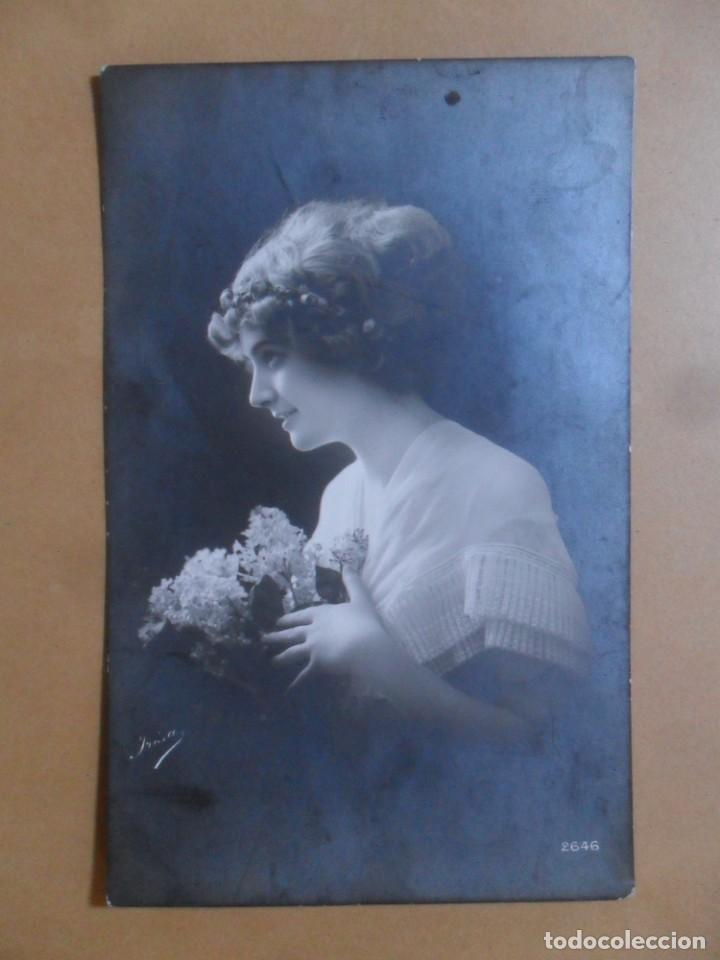 TARJETA POSTAL ESCRITA DEL 2 DE FEBRERO DE 1912 - DAMA CON FLORES (Postales - Postales Temáticas - Galantes y Mujeres)