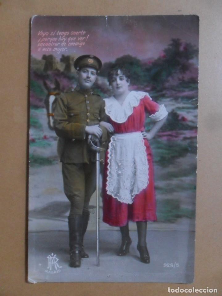 TARJETA POSTAL COLOREADA - ESCRITA EL 21 DE OCTUBRE DE 1928 - NOVIOS (Postales - Postales Temáticas - Galantes y Mujeres)