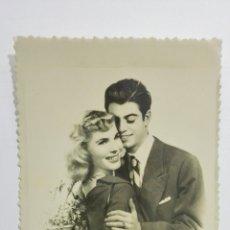 Postales: POSTAL ROMANTICA, AÑOS 50. Lote 175912667