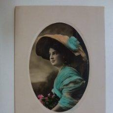 Postales: POSTAL ANTIGUA COLOREADA. DAMA CON PAMELA. ESCRITA EN 1910.. Lote 176265732