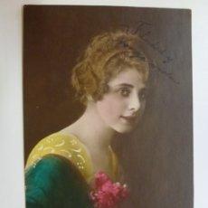 Postales: POSTAL ANTIGUA COLOREADA. DAMA. ESCRITA EN 1922.. Lote 176266694